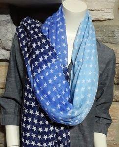 Buy 2 get 1 free 🤗...Steve Madden scarve